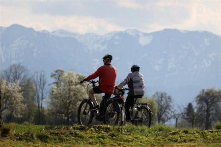 cadouri pentru părinți-Biciclete mountain bike pentru părinți cărora le place aventura