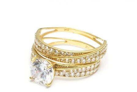 15 cadouri pentru soție de ziua ei, de 1, 8 Martie & Crăciun-Bijuterii cu diamante pentru o soție cu adevărat strălucitoare