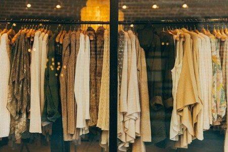 15 ide de cadou pentru soacră de Crăciun și 8 Martie-Îmbrăcăminte modernă pentru o soacră cool