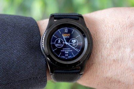 Smartwatch - cadou bărbat pentru un tată modern