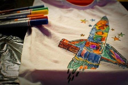 15 ide de cadou pentru soacră de Crăciun și 8 Martie-Tricouri personalizate pentru o soacră căreia îi place să iasă în evidență