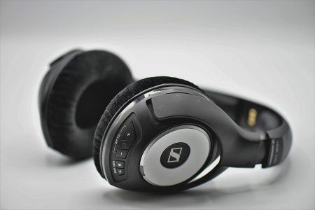 Căști audio performante pentru tați care apreciază bass-ul fin-cadouri pentru tați
