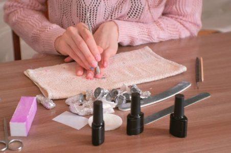 image 1 of Kit de unghii cu ojă semipermanentă, cadou pentru mama care are manichiura impecabilă