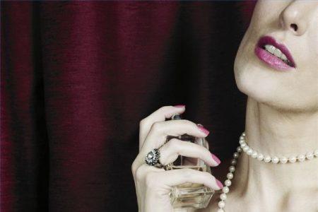 image 1 of Parfum, cadou pentru o mama soacră