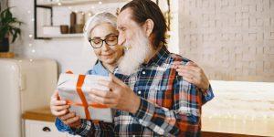 16 cadouri personalizate 60 ani