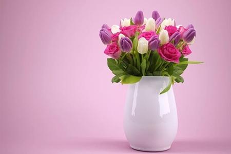 Cadou pentru 50 ani – flori special aranjate pentru a marca o aniversare unică!