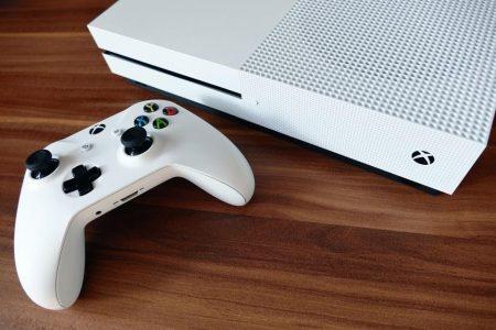Consolă de gaming pentru pasionații de jocuri
