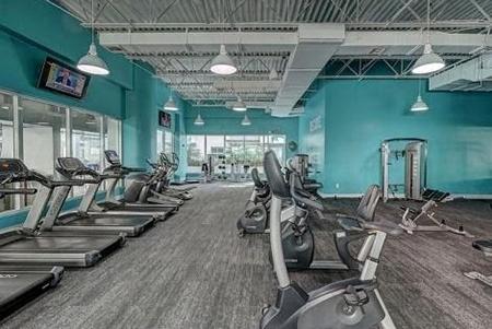 Echipament de fitness pentru un pasionat de stilul sănătos de viață!
