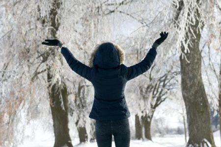 Geacă de iarnă pentru schi pentru o femeie super activă