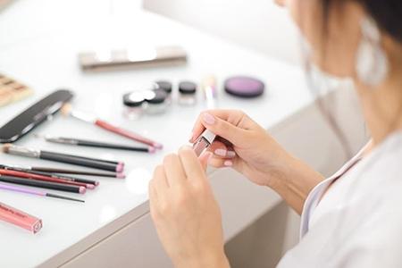 Set de cosmetice premium pentru o femeie care îi place să arate impecabil