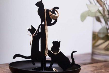 cadouri fete zi de nastere suport bijuterii