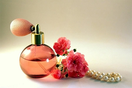 Parfumuri unisex – cadouri de Secret Santa sofisticate!