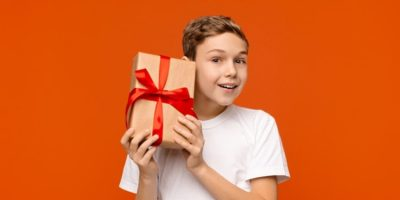 30 idei de cadouri pentru băieți de Crăciun, de ziua de naștere