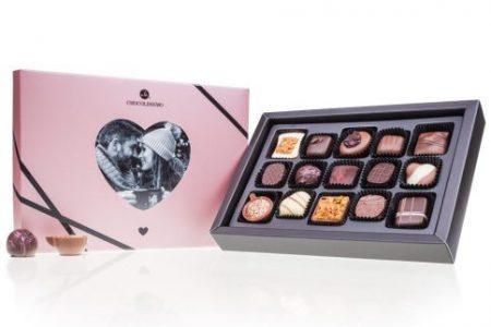 Ciocolată personalizată - cadou Secret Santa colegă de neuitat