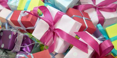 Cadouri de zi de naștere – top daruri pentru ea și el
